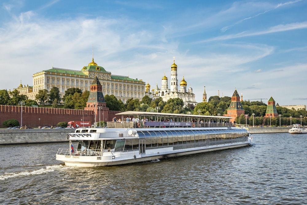 """Прогулка на теплоходе """"Ривер Палас"""" по Москве-реке VIP"""